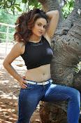 Reena Bhatia glamorous photos-thumbnail-14