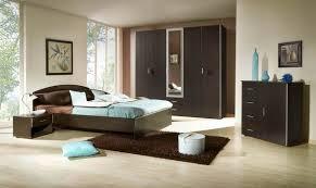 habitación marrón celeste