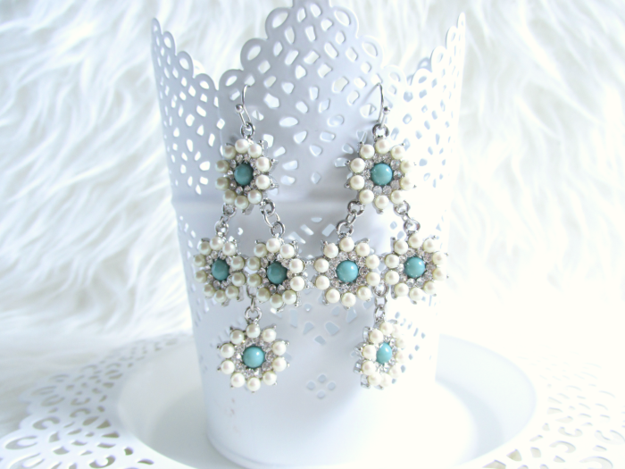 Girl Intuitive - Silver Pearl Daisy Drop Earrings - $15.00 USD