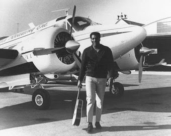 OTIS REDDING E O BEECHCRAFT - 18