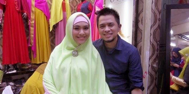 Oki Setiana Dewi Buka Butik Busana Muslim OSD - RADARINDONESIANEWS.COM 74fddc7880