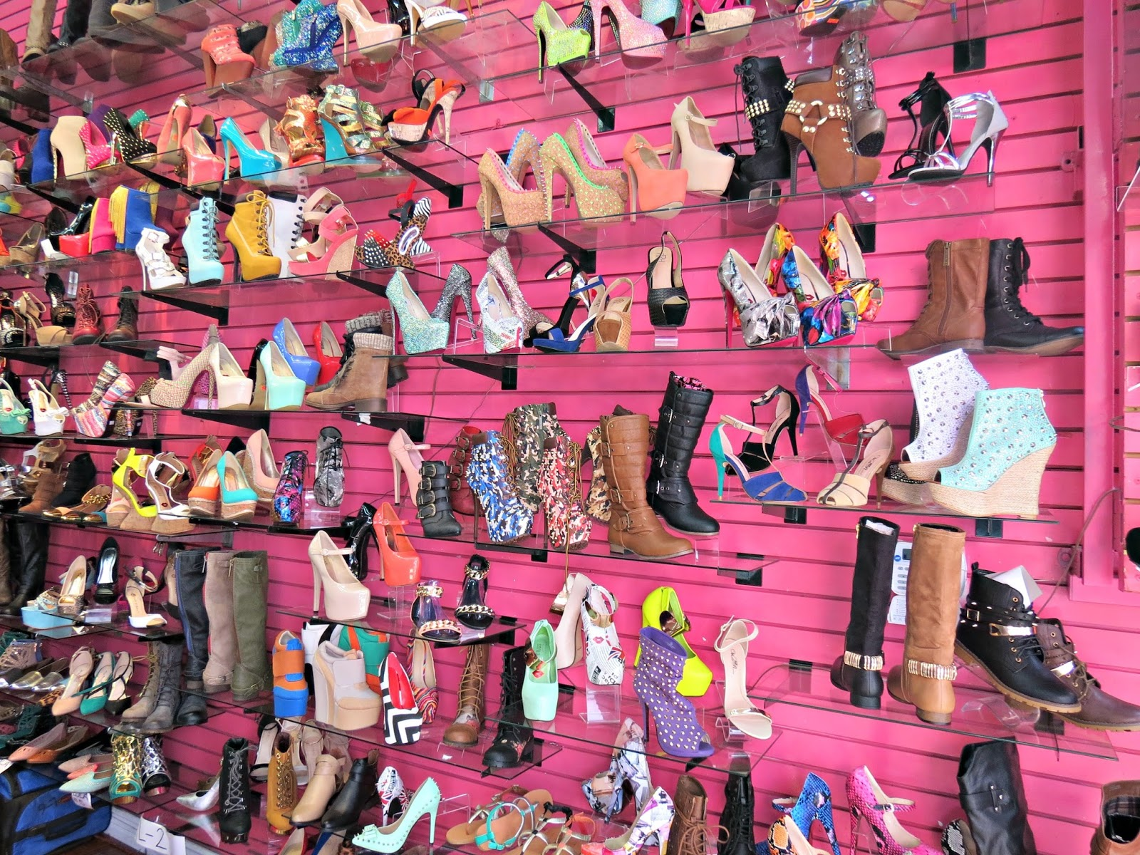 La la fashion district - The Santee Alley La S