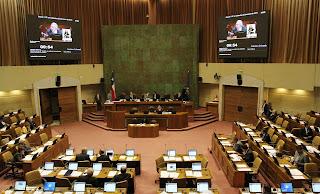 Colegio de Periodistas cuestiona difusión de mensajes privados de diputado Guilermo Ceroni