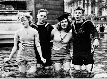 8 May 1945 VE Day Celebrations Trafalgar Square