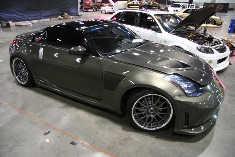 Modified Nissan 350Z Carbon Fiber
