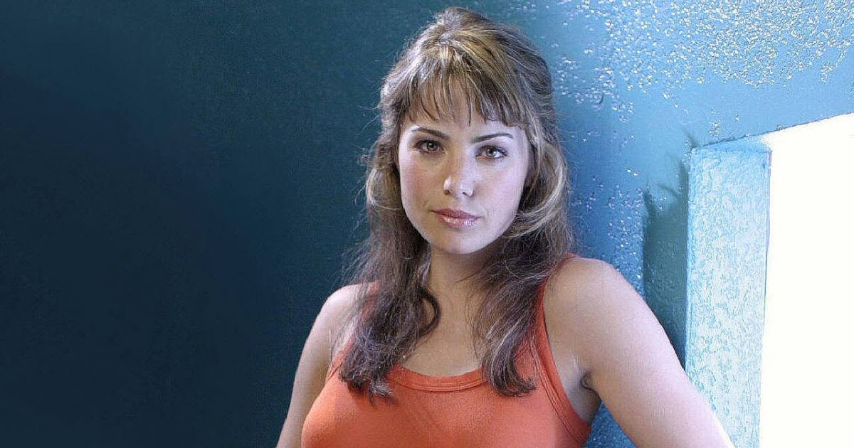 erica durance computer wallpaper - photo #16