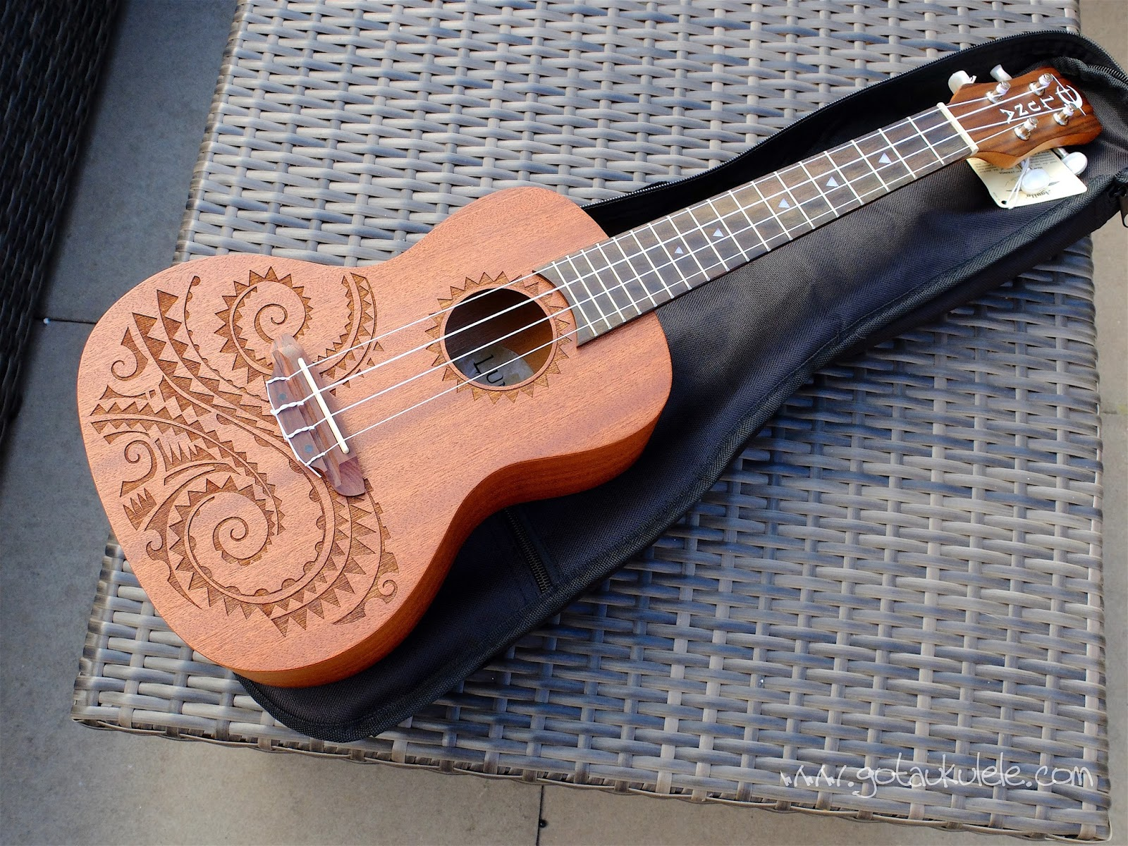 Luna tattoo concert ukulele review hexwebz Image collections
