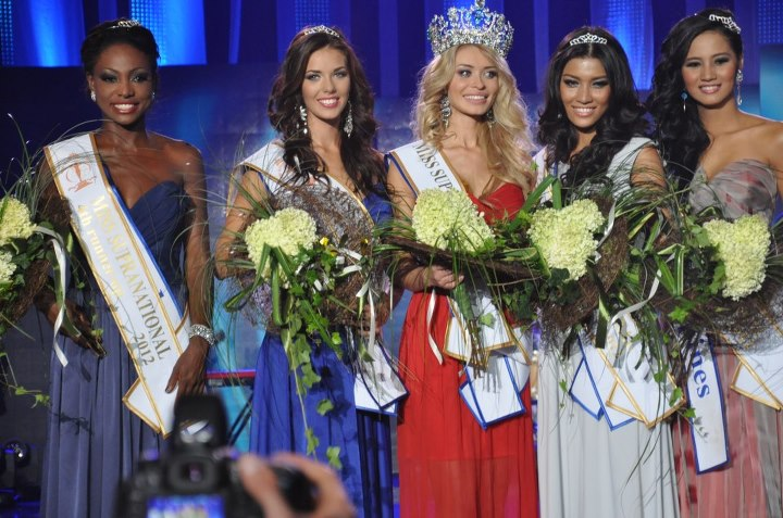 Miss Supranational 2012 winner Ekaterina Lewczuk from Belarus together with runners-up