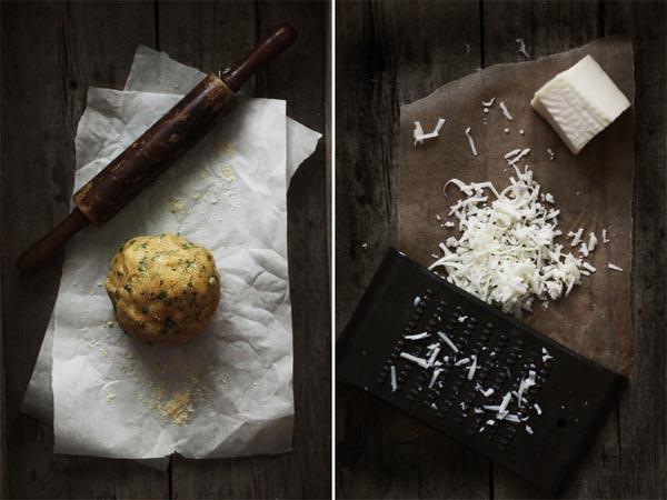 bola de masa pizza y queso de oveja rayado