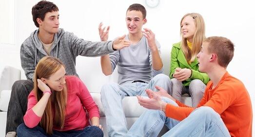 friends-chatting-conversation