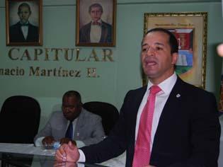 Juan de los Santos, el gran ausente en la toma de posesión nuevo director Embellecimiento