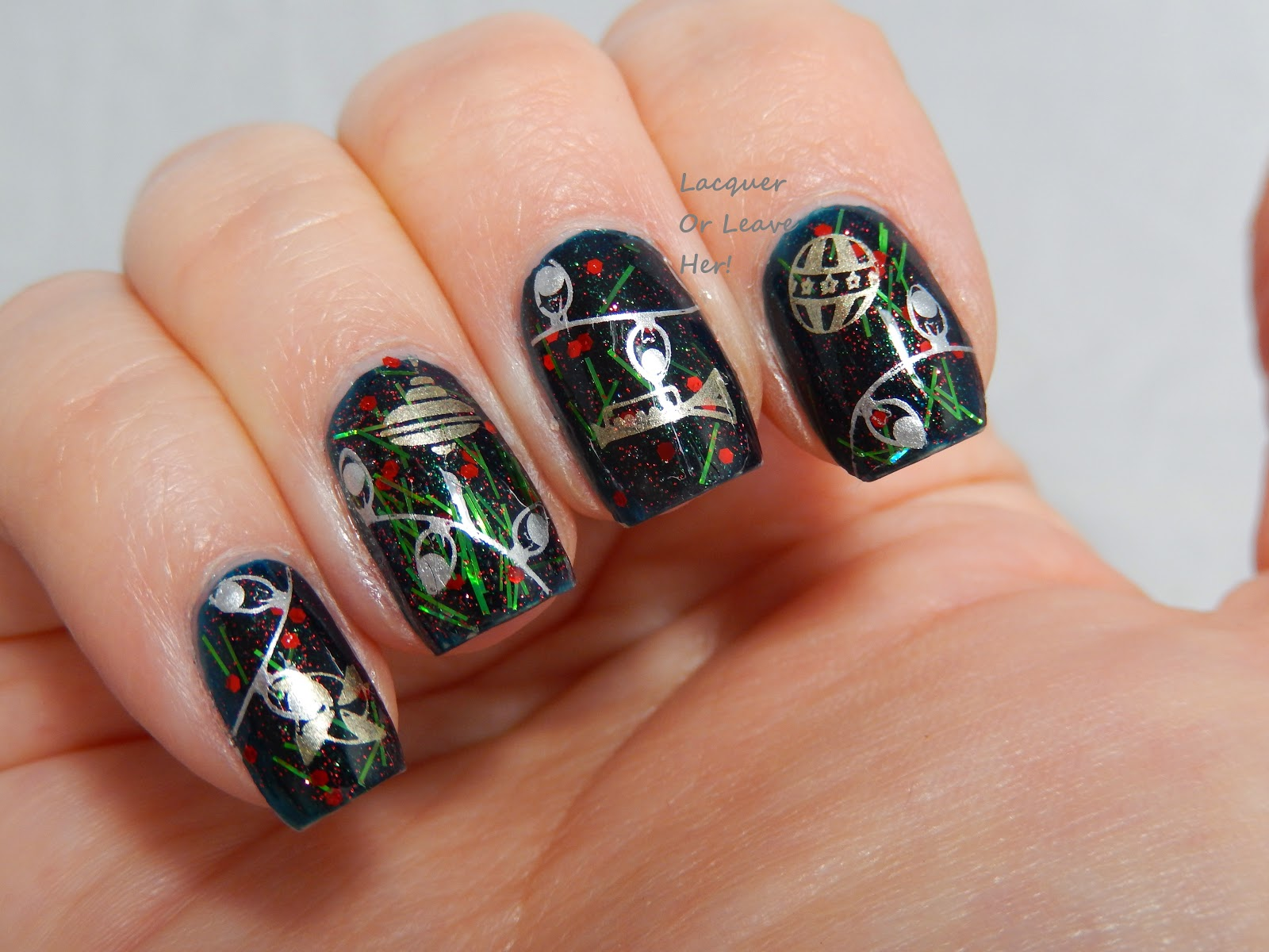 Christmas tree nail art manicure