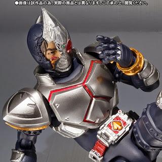 S.H. Figuarts Masked Rider Blade (Broken Head ver.) Offcial image 04
