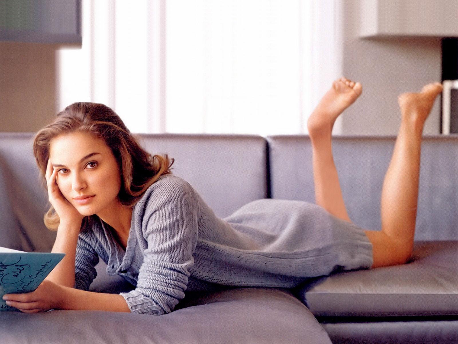 http://3.bp.blogspot.com/-3VWklgoHvlI/T54MnHE6mOI/AAAAAAAACco/0ue58YQgY_A/s1600/Natalie+Portman+HD+Wallpapers+2012_6.jpg