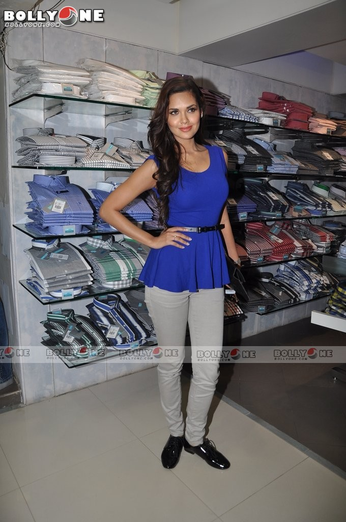  Esha Gupta in tight jeans -  Esha Gupta in blue Top, Hot Tight Jeans