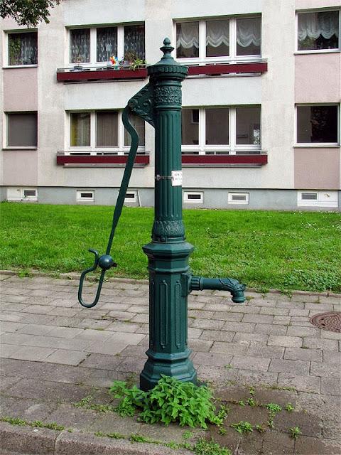 Water pump, Keibelstraße / Wadzeckstraße, Berlin