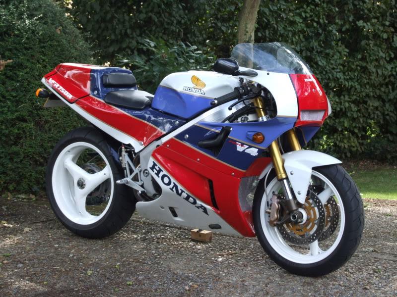 Honda RC 30 - Page 3 Hyb_R