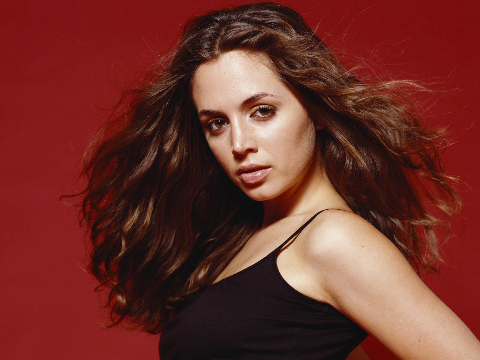 Eliza dushku wallpapers - Celebrity background ...