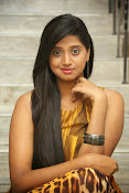 Actress Shalini latest glam pics-thumbnail-17