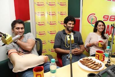 Aditya Roy and Shraddha Kapoor promote Aashiqui 2 at Radio Mirchi 98.3 fm