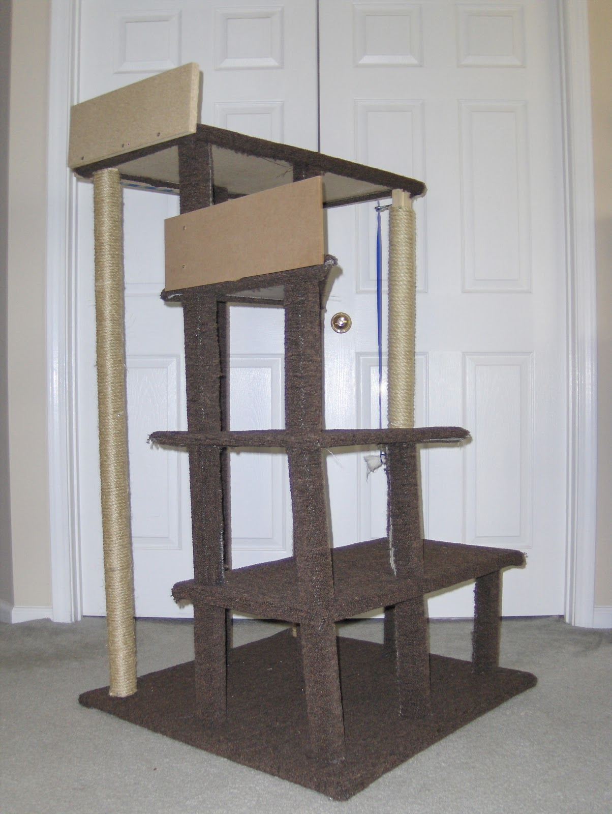 At the fence how to make inexpensive cat furniture for Cat tree blueprints