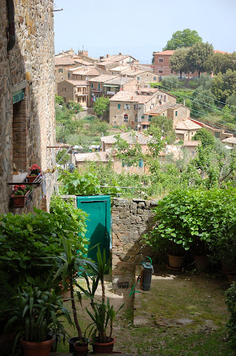 Courtyard gardening in Montalcino's town center