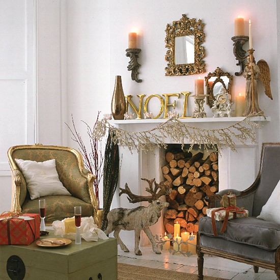 Christmas Fireplace - Image from http://www.housetohome.co.uk/living-room/picture/christmas-living-room