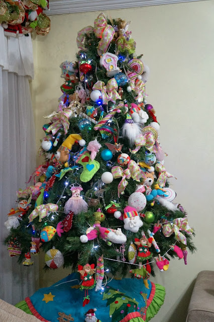 árvore de Natal - foto 1 - entrada da casa decorada para o Natal - rua Álvaro Alvim, cidade de Santos