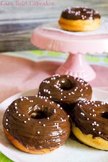 Donuts mit Schokolade