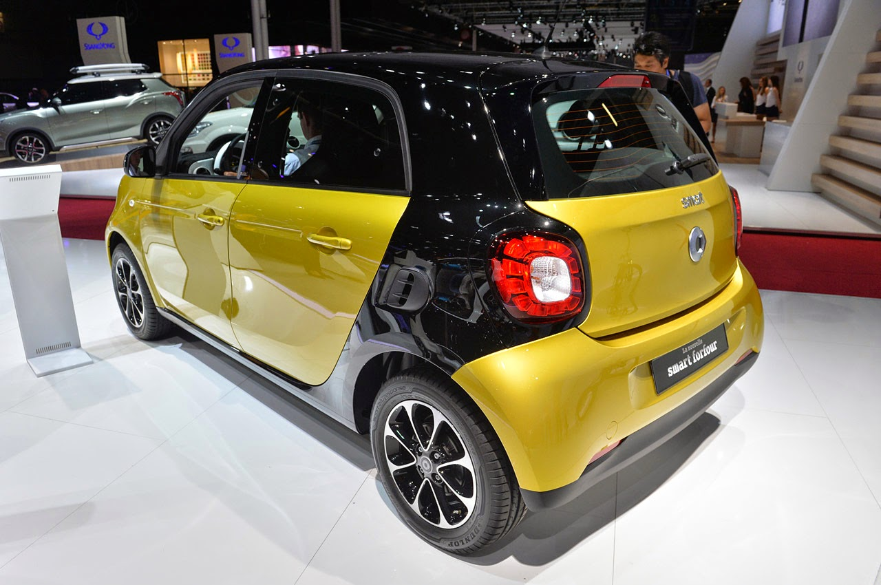 automotiveblogz smart forfour paris 2014 photos. Black Bedroom Furniture Sets. Home Design Ideas
