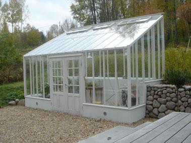 Växthus mot vägg fukt