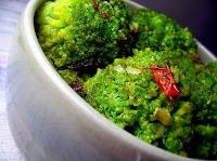 Brócolis ao Alho e Malagueta (vegana)