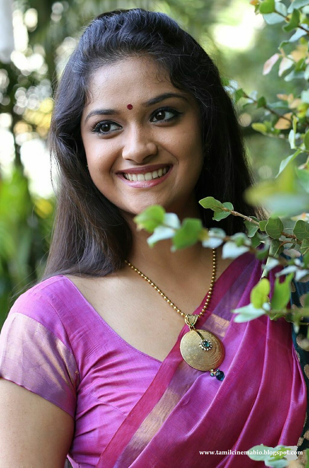 tamil actress keerthi suresh photo gallery wallpaper