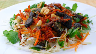 Green Papaya Salad with Beef Jerky Recipe (Goi Du Du Kho Bo) 3