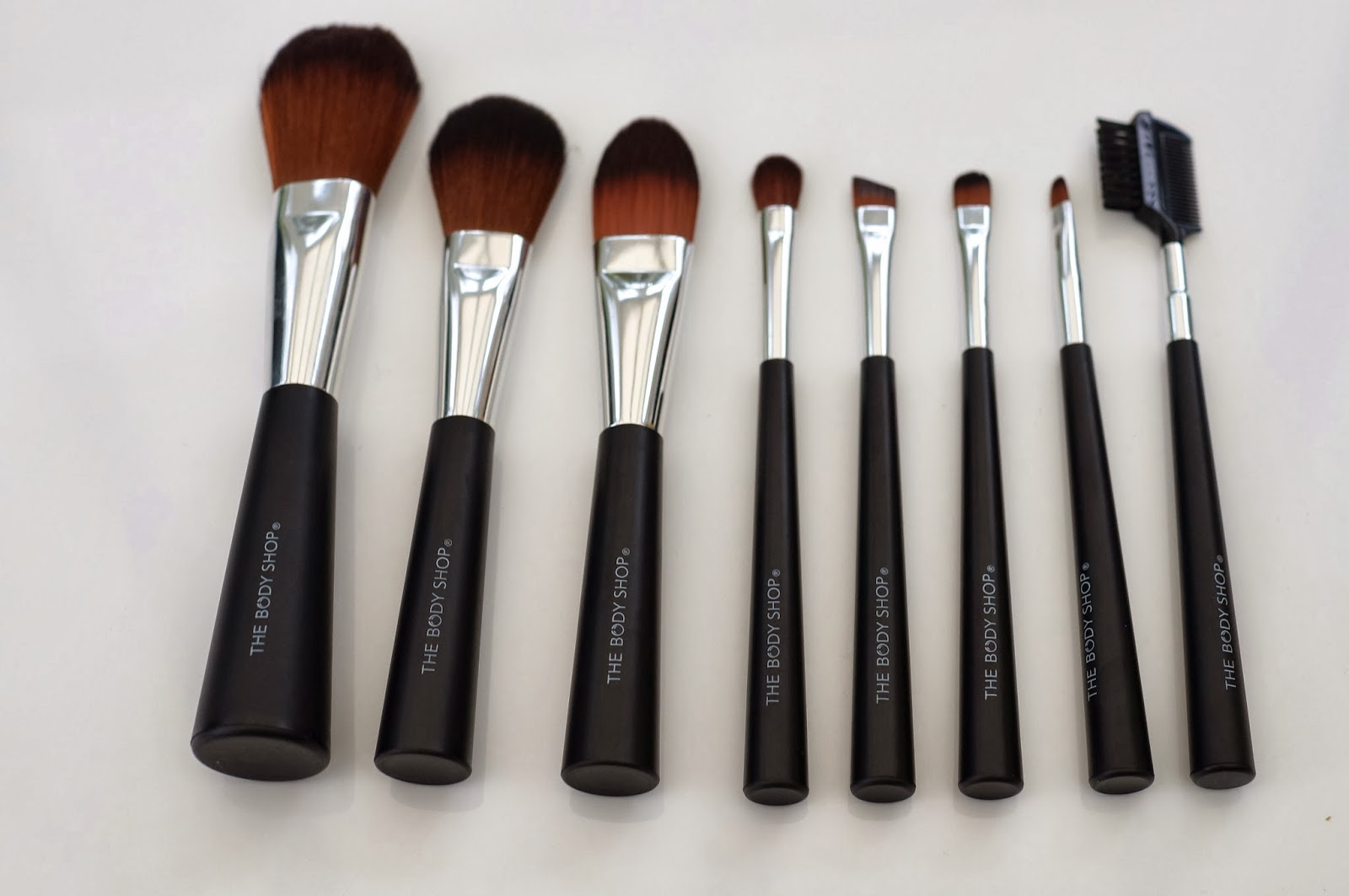 the body shop make up brushes