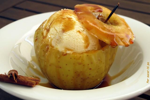 Helado de manzanas asadas