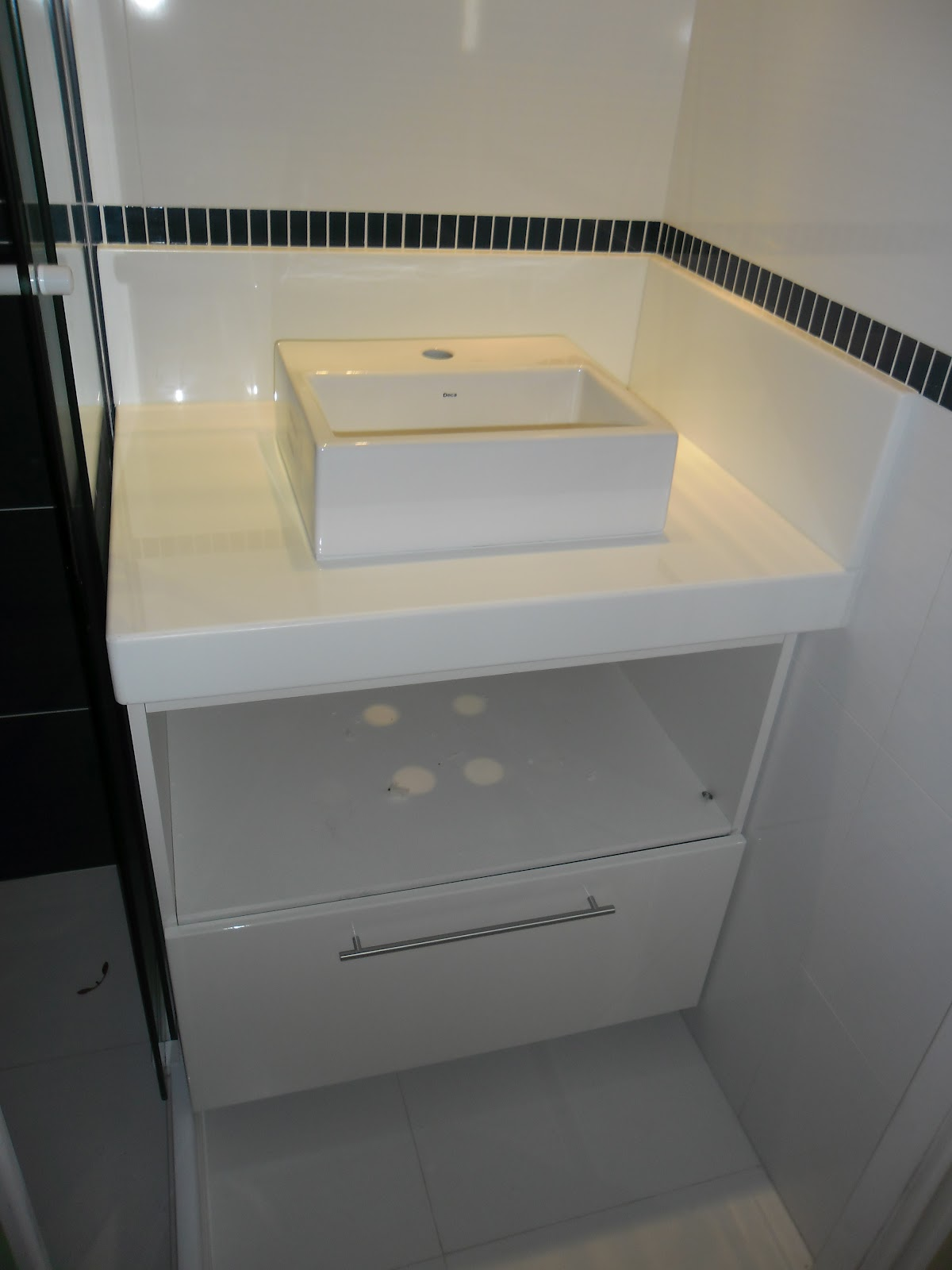 Pin Rmores Granitos Bancada Banheiro Granito Branco Siena Pelautscom  #7E6F4E 1200x1600 Bancada Banheiro Branco Siena