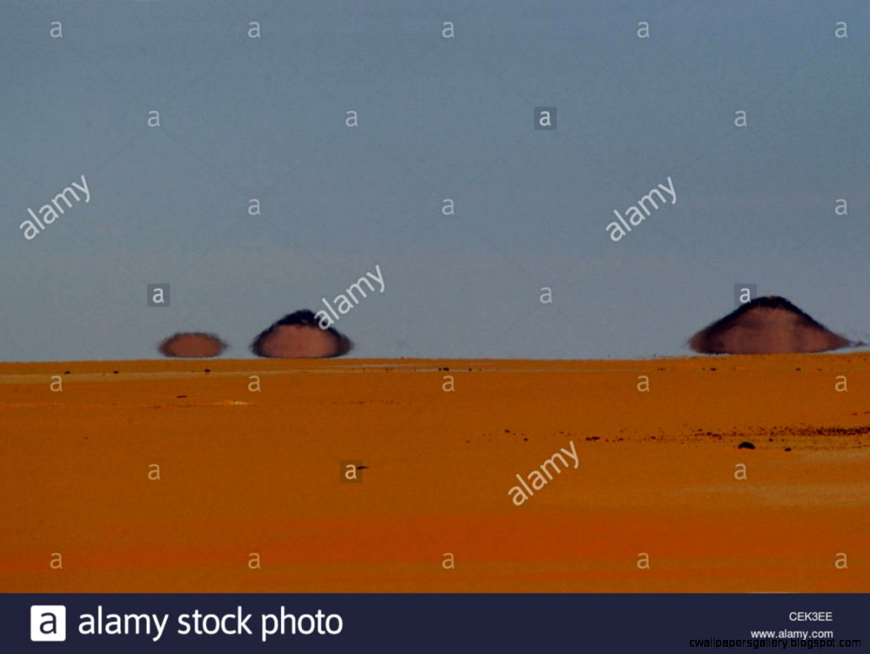 Egyptian Desert Mirage In The Western Desert Of Egypt   Eastern