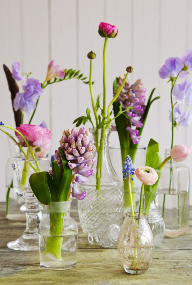 Blooming table decoration - Flowers for table decorations ...