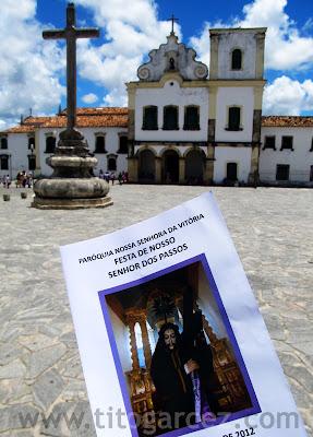 Folheto da Festa de Nosso Senhor dos Passos, em São Cristóvão - Sergipe, tendo ao fundo a Igreja de São Francisco.