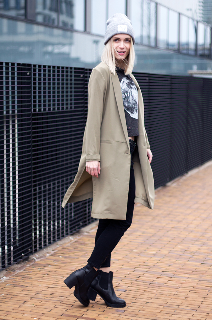 Fashion Attacks The Golden Heart Store outfit ootd