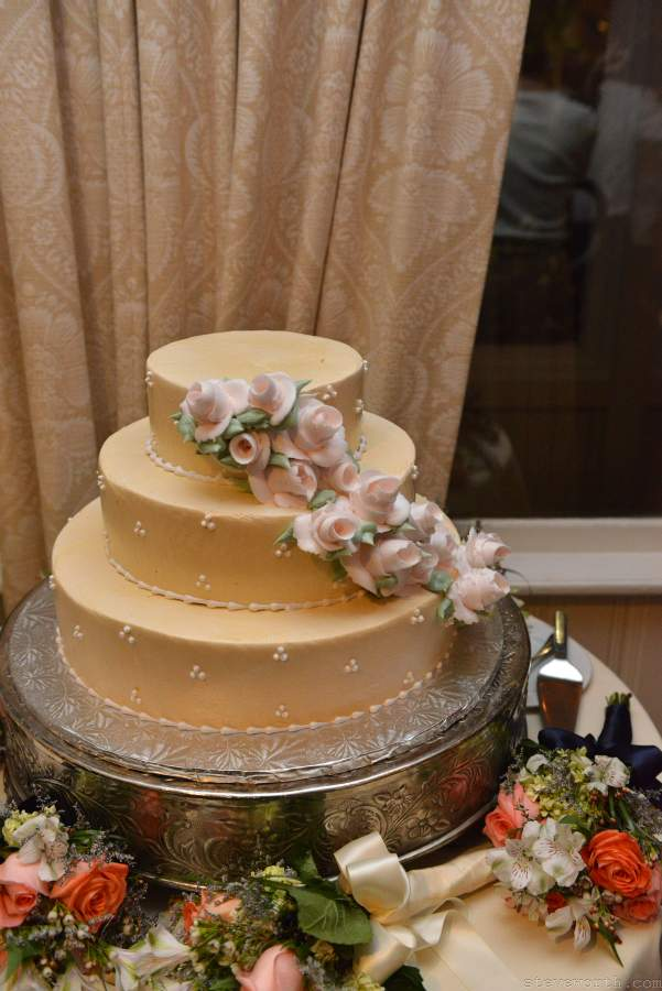 Lauren and John's Wedding Cake