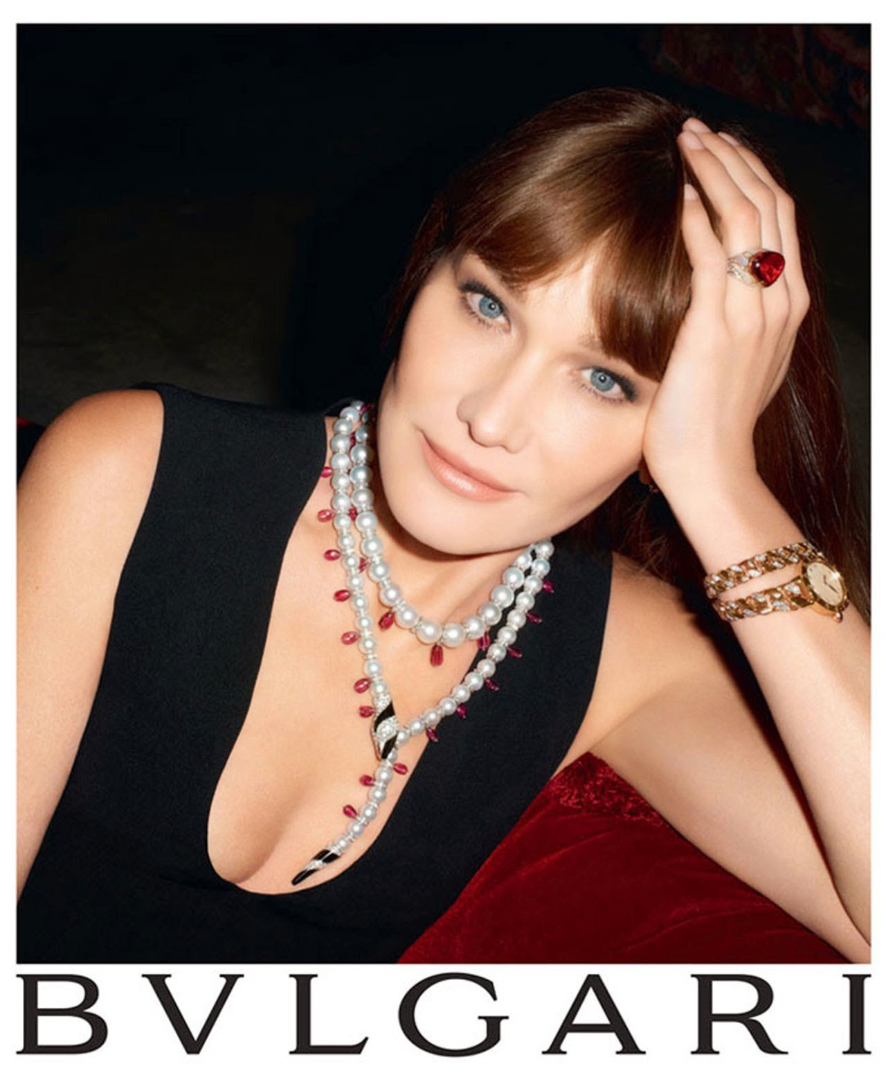 Eniwhere Fashion - News on Fashion - Carla Bruni