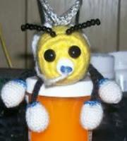 http://translate.googleusercontent.com/translate_c?depth=1&hl=es&rurl=translate.google.es&sl=en&tl=es&u=http://www.crochetville.com/community/topic/68452-baby-bumblee-stuffed-toy/&usg=ALkJrhhyIatZuojqTT3tYRPJbW0vkc7CpA#entry1073509