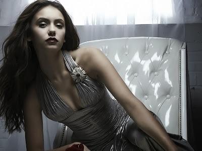 Nina-Dobrev-Elena-Katherine-The-Vampire-Diaries-Sexy-2013