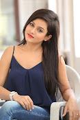 Mishti Chakraborthy latest dazzling pics-thumbnail-11