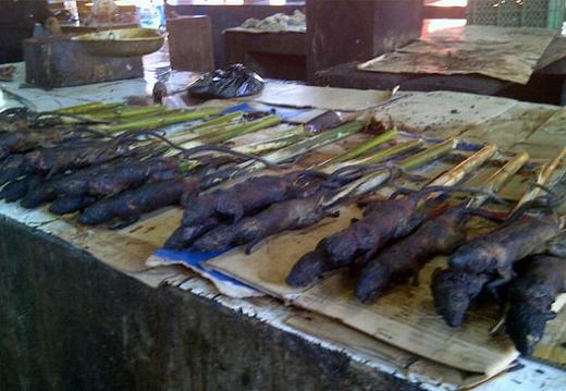 Pasar Yang Mengerikan Dan Meloyakan di Indonesia (9 Gambar)