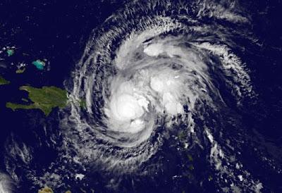 Tropischer Sturm IRENE wohl nicht als Hurrikan auf die Dominikanische Republik, aber wahrscheinlich als Hurrikan auf die Bahamas und nach Florida, 2011, aktuell, Atlantik, August, Bahamas, Dominikanische Republik, Haiti, Hispaniola, Hurrikansaison 2011, Hurrikanwarnung, Irene, Karibik, Kuba, North Carolina, Puerto Rico, South Carolina, Sturmwarnung, Touristen, Florida,