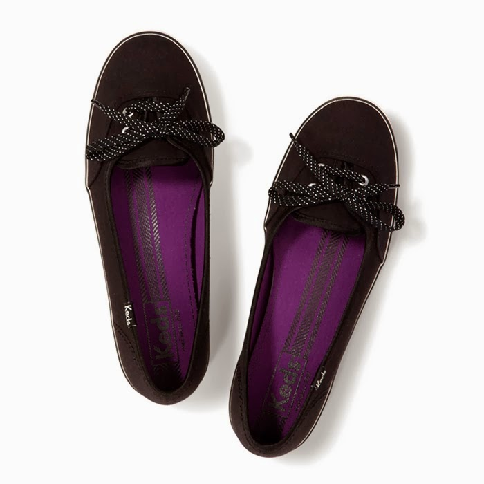 How to Create the Perfect Wardrobe (Teenage Girls) Get a variety of cute shoes that are fairly inexpensive yet quality. The easiest way to do this is to subscribe to numerous catalogues and ads. It also keeps you up on the latest trends and styles. 4. Shop at discount stores.