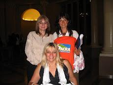 Con Silvia Baglioni y Vilma Ripoll, luego de la entrega de Premios en la Legislatura